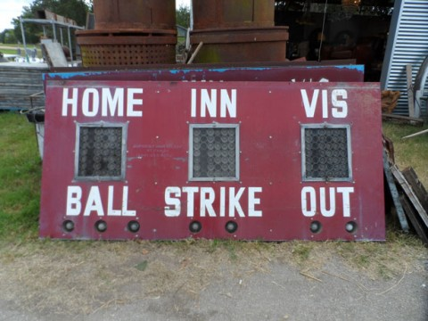 old-baseball-scoreboard